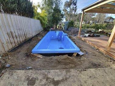 Sandhurst Pool Installation